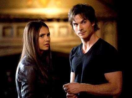 Gjør Elena dating Damon