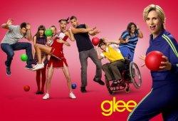 Glee_03_Dom_Horiz_Red_KAwT_595